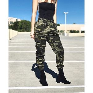 Pants - 🆕 Camo Printed Cargo Joggers Pants